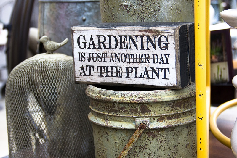 Gardening enthusiast sign